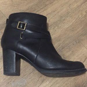Speedy heels ankle booties boots